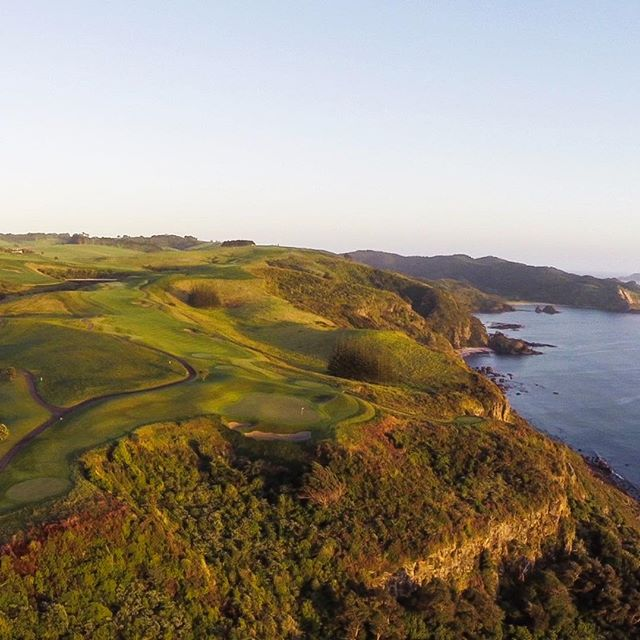 @kauricliffs is a special place for our team. 8 years ago whilst playing a round of golf the lightbulb moment went off. Let's curate truly unique experiences that showcase the beauty of this little part of the world. Fast forward to today and we are back playing this incredible course.