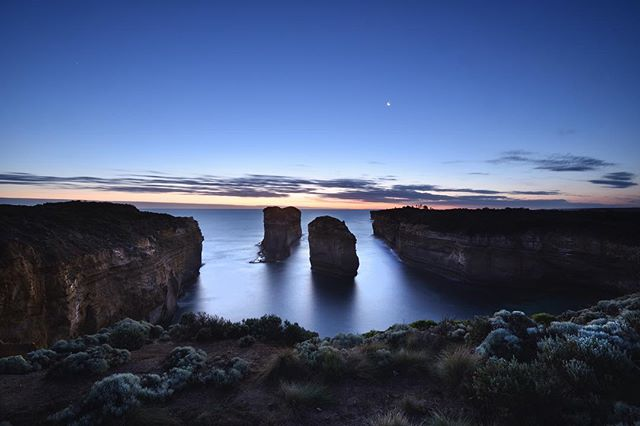 Eighth Wonder road trip along the Great Ocean Road, VIC, AUS. Made it just in time for the sunset at Loch Ard Gorge. Credit @hammondimages for this shot and the quality chat.