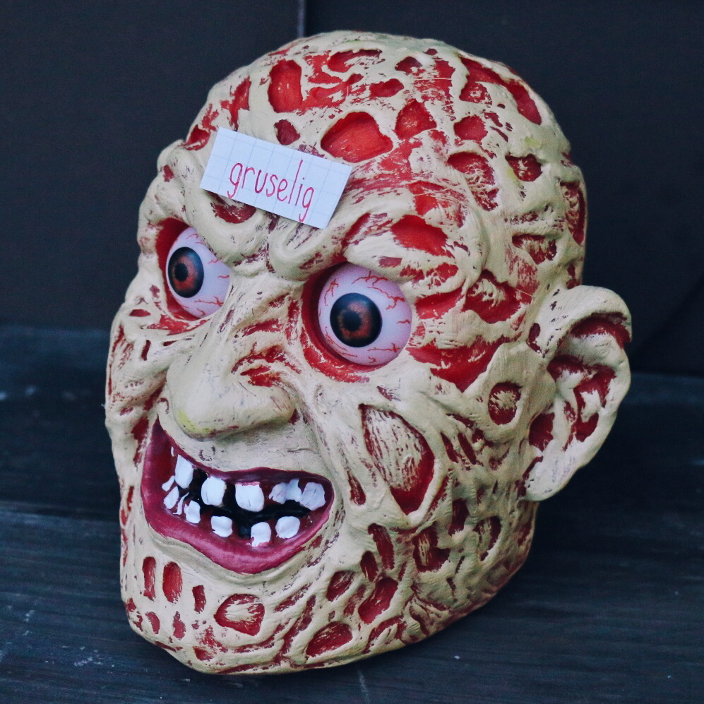 gruselig - scary