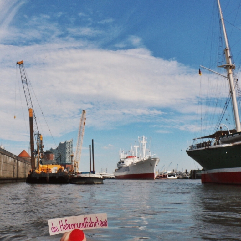 hamburg_harbour_tour_hafenrundfahrt.jpg