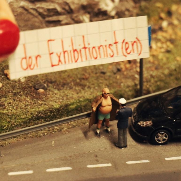 flasher_exhibitionist_miniatur_wunderland.jpg