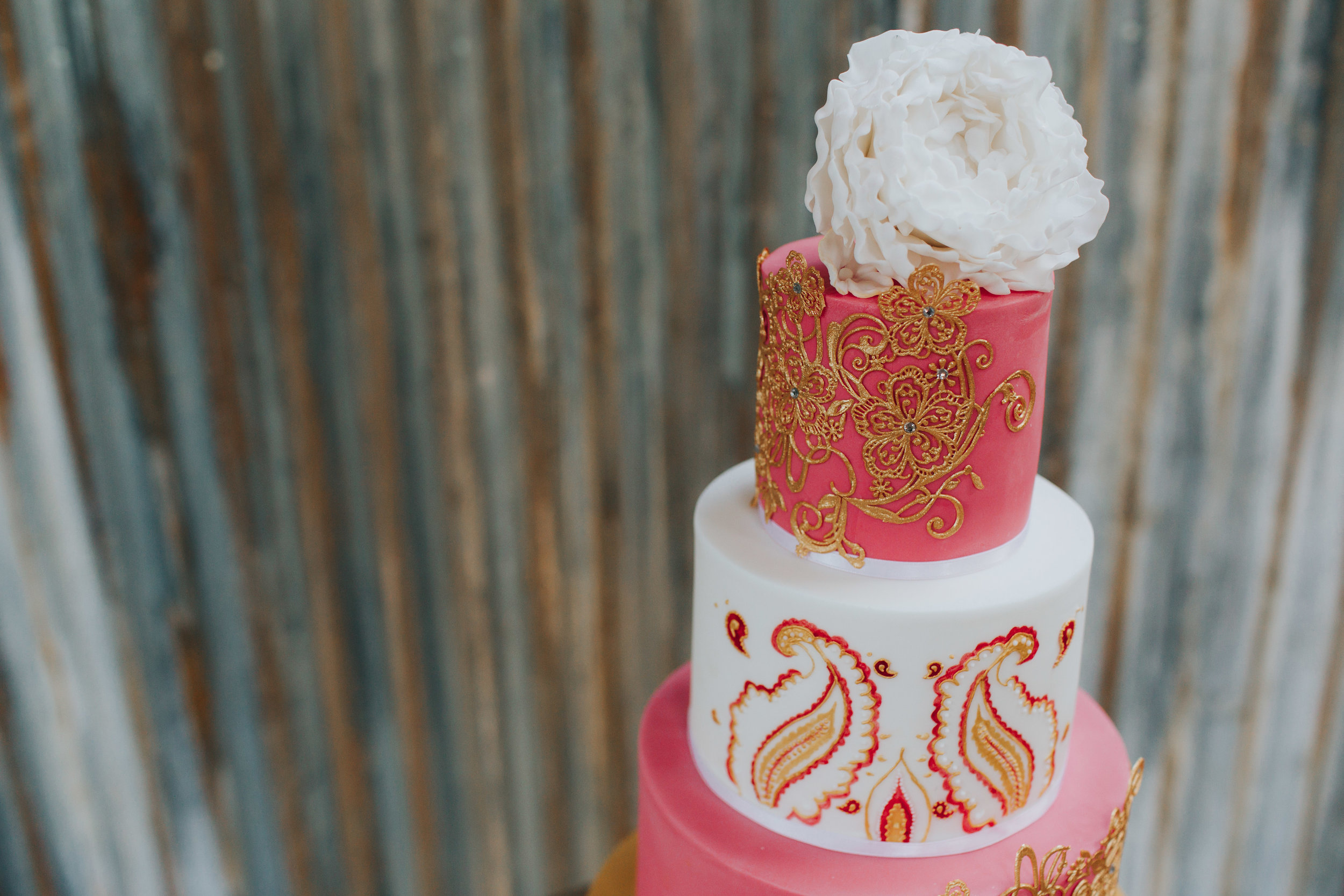 Cake by  Cut Me Off a Slice . Photo by   Freckle Photography