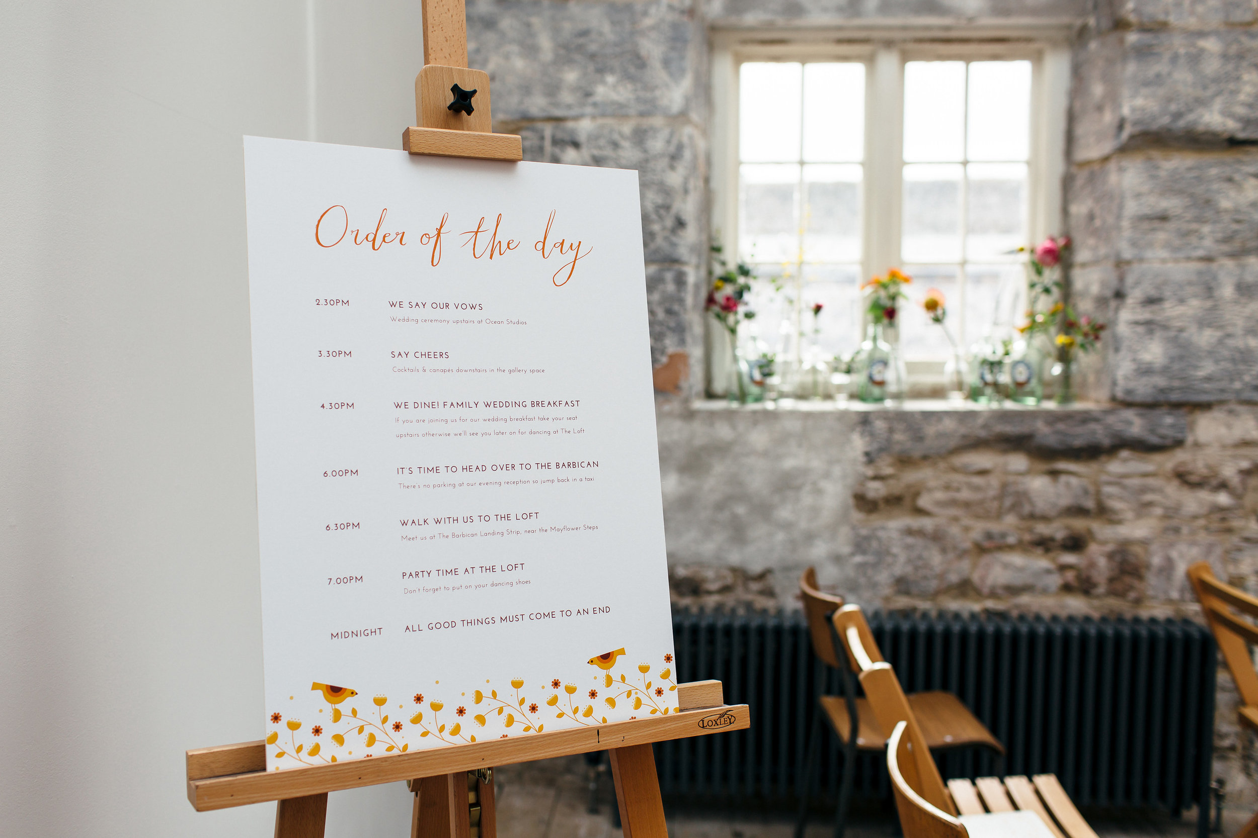 TOP TIP - Order of the Day signs are a great way to fill guests in on what's happening when so they can enjoy the day (without wondering what time dinner is served :) )