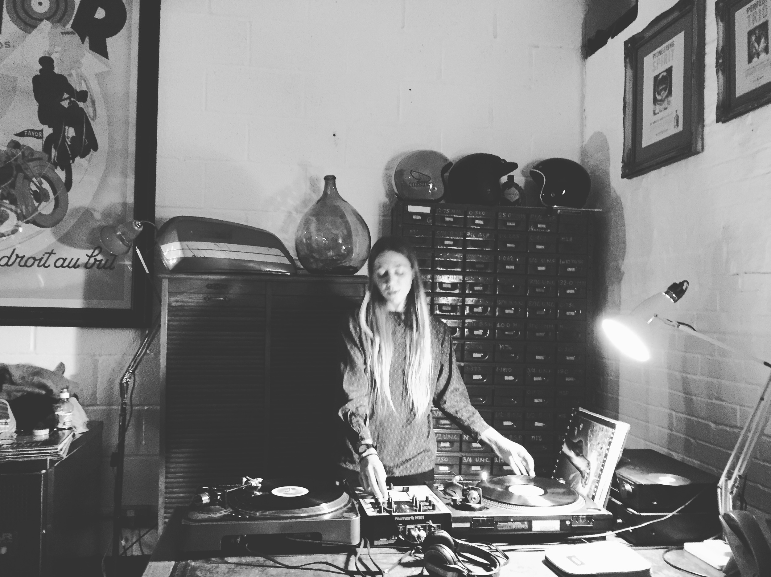 Beautiful Donna of Brilliant Corners playing music on Mon 16 May 2016.
