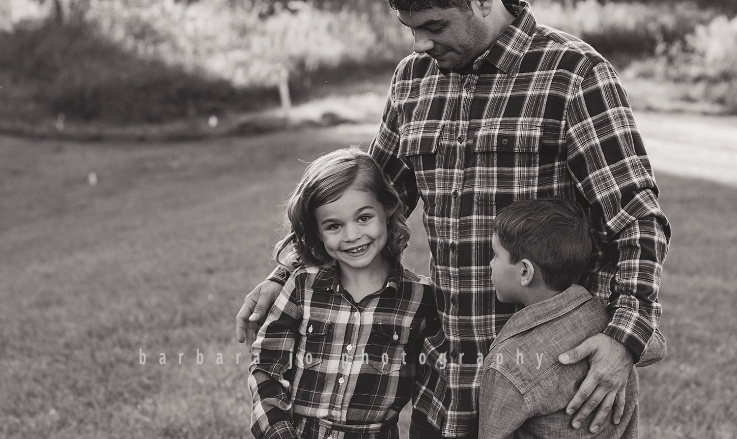 bjp-family-photographer-kids-siblings-blended-brothers-sisters-fall-mini-sessions-children-love-rachel5.png