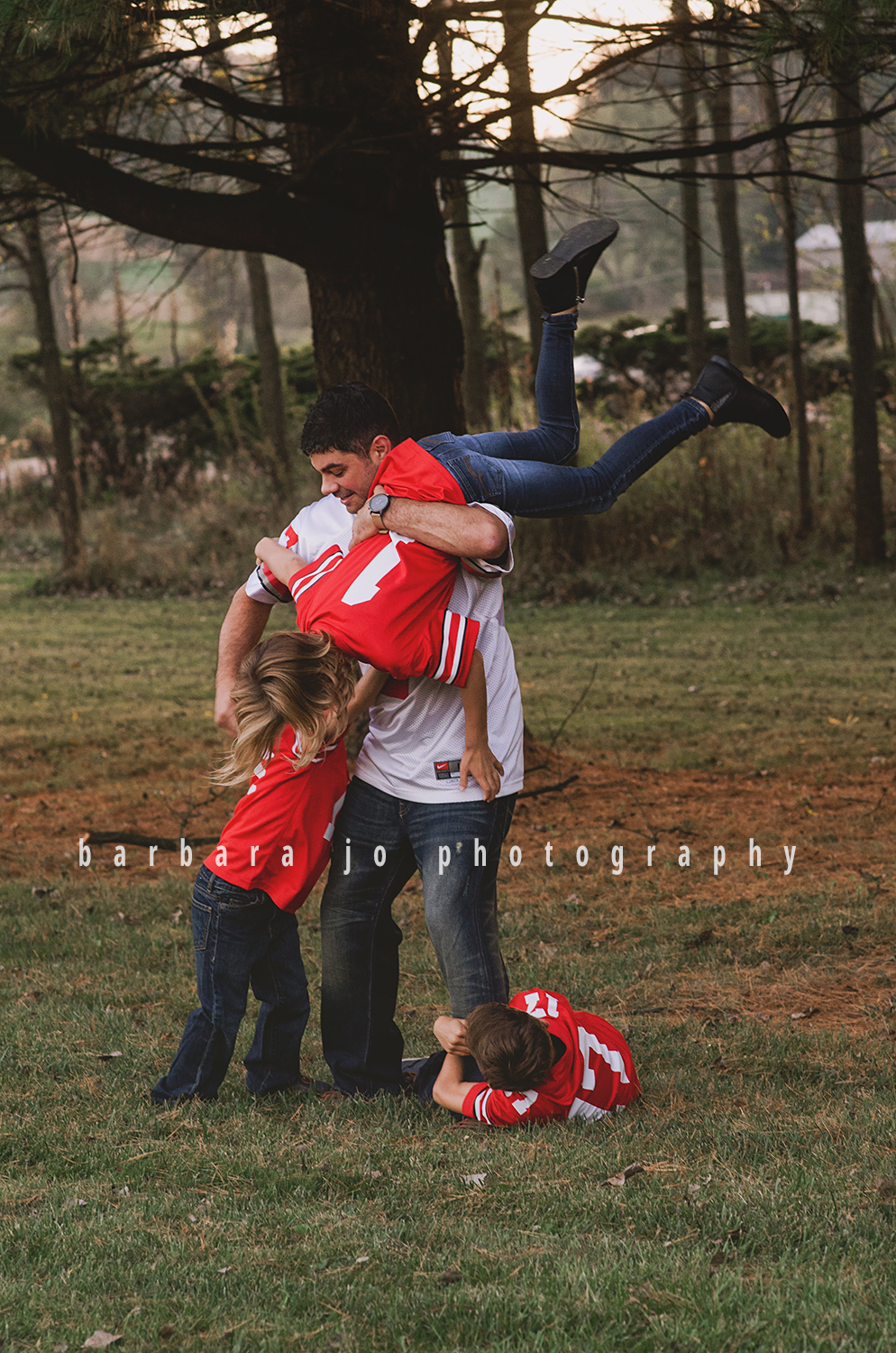 bjp-family-photographer-kids-siblings-blended-brothers-sisters-fall-mini-sessions-children-love-rachel18.png