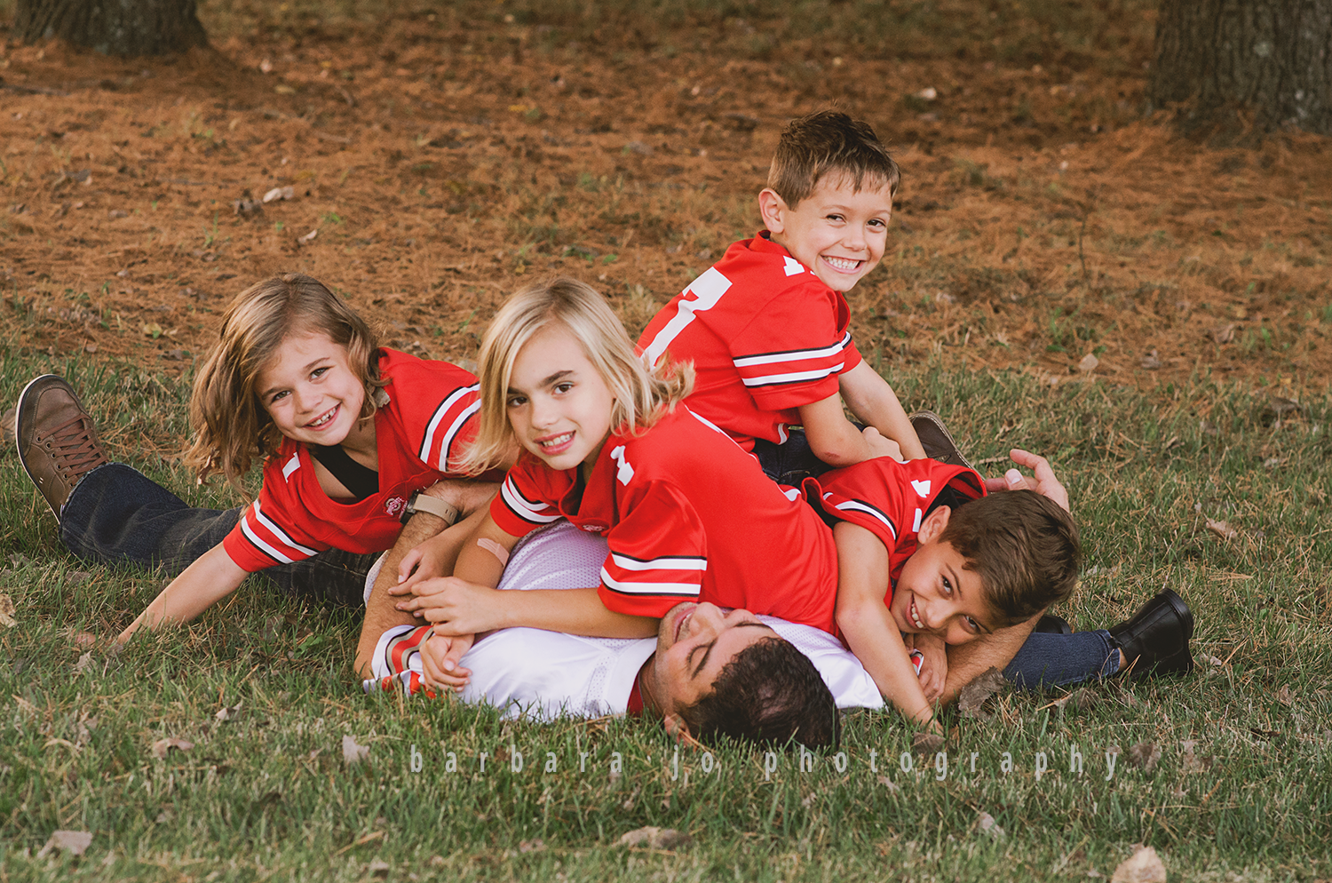 bjp-family-photographer-kids-siblings-blended-brothers-sisters-fall-mini-sessions-children-love-rachel14.png