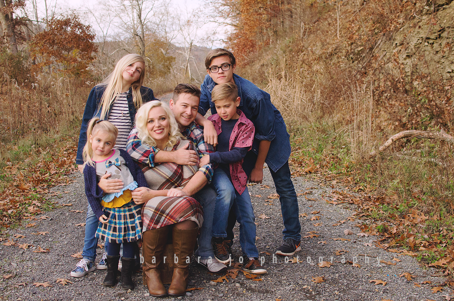bjp-family-children-photographer-dover-oh-mini-sessions-fall-autumn-fantin4.png