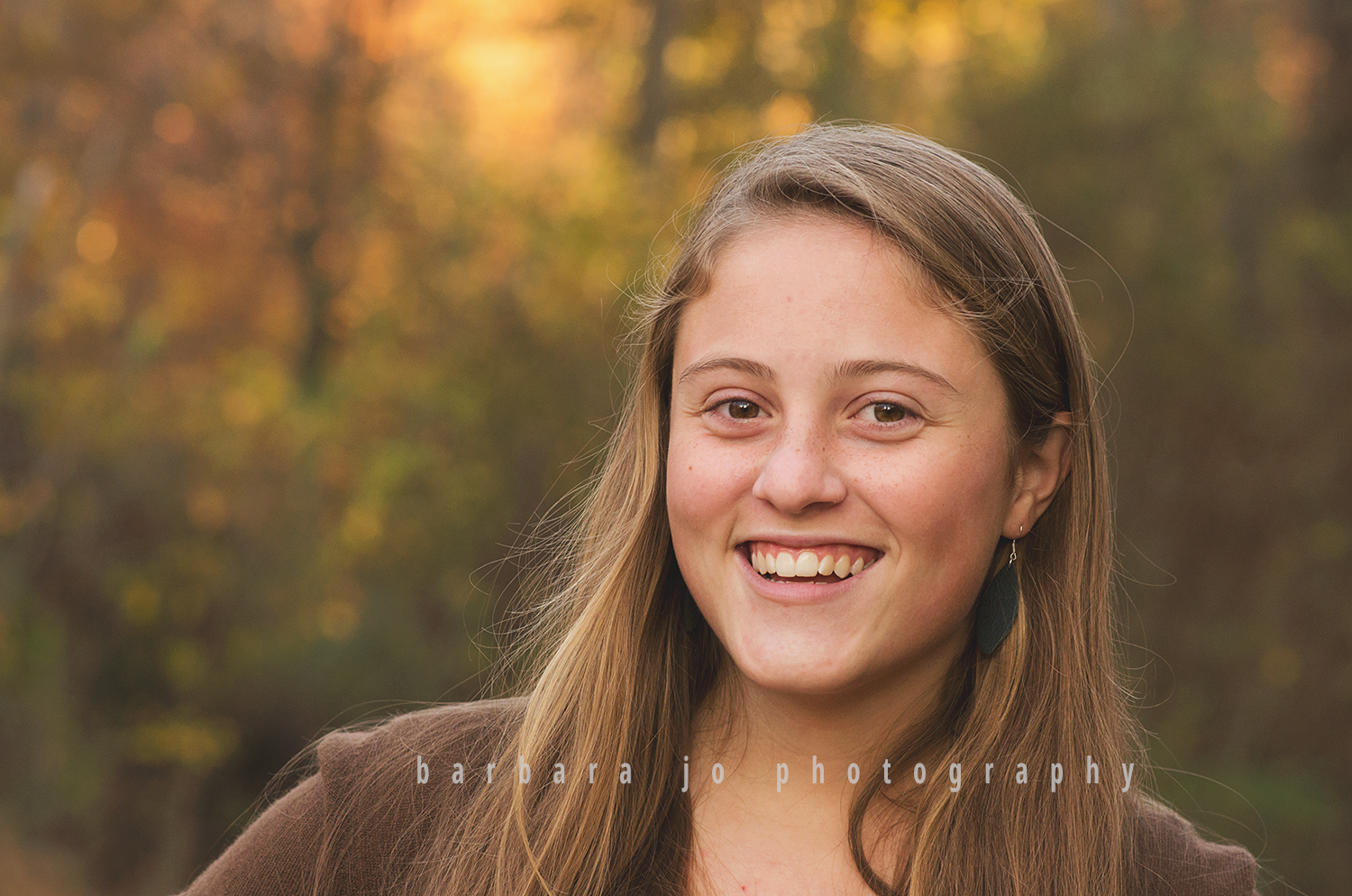 bjp-senior-pictures-portraits-class-of-2018-dover-oh-fall-autumn-woods-graduate-abby9.png