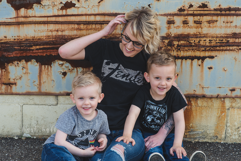bjp-family-motherhood-mommy-sons-mom-siblings-boymom-boys-son-spring-dover-ohio-photographer-mcnutt9.png