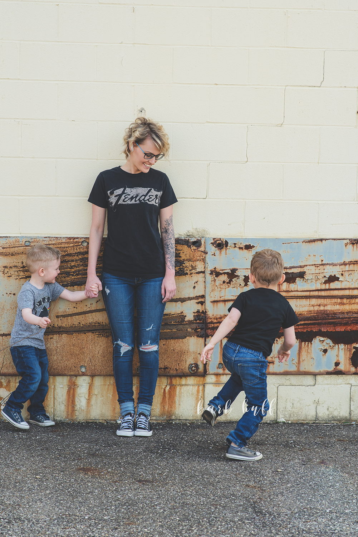 bjp-family-motherhood-mommy-sons-mom-siblings-boymom-boys-son-spring-dover-ohio-photographer-mcnutt1.png
