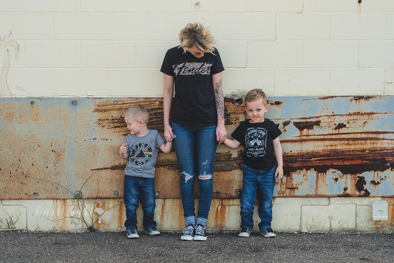 bjp-family-motherhood-mommy-sons-mom-siblings-boymom-boys-son-spring-dover-ohio-photographer-mcnutt6.png