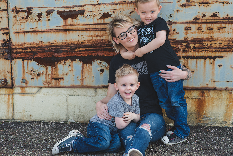 bjp-family-motherhood-mommy-sons-mom-siblings-boymom-boys-son-spring-dover-ohio-photographer-mcnutt7.png