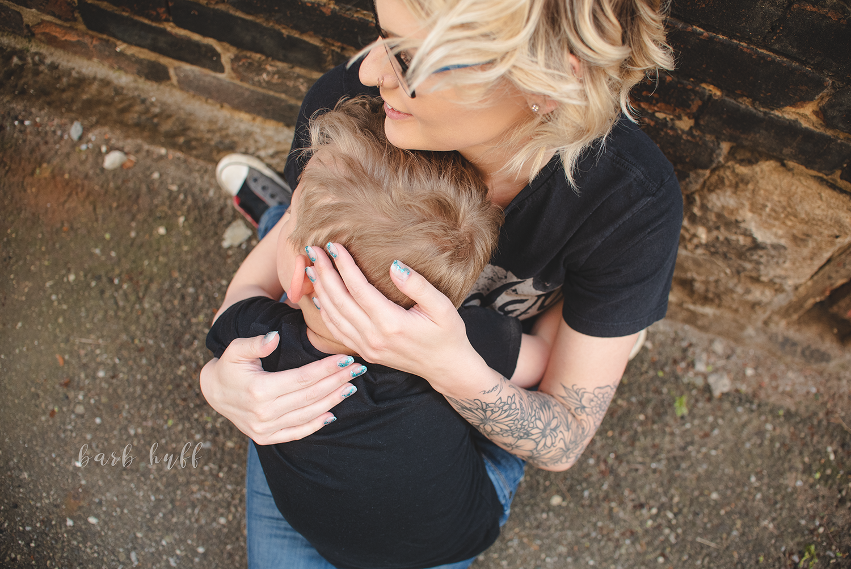 bjp-family-motherhood-mommy-sons-mom-siblings-boymom-boys-son-spring-dover-ohio-photographer-mcnutt12.png