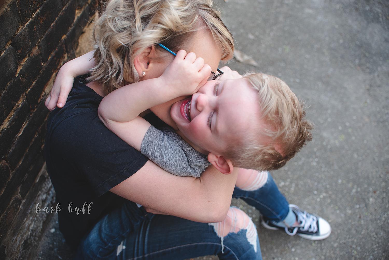 bjp-family-motherhood-mommy-sons-mom-siblings-boymom-boys-son-spring-dover-ohio-photographer-mcnutt17.png