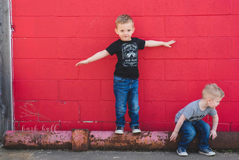 bjp-family-motherhood-mommy-sons-mom-siblings-boymom-boys-son-spring-dover-ohio-photographer-mcnutt33.png