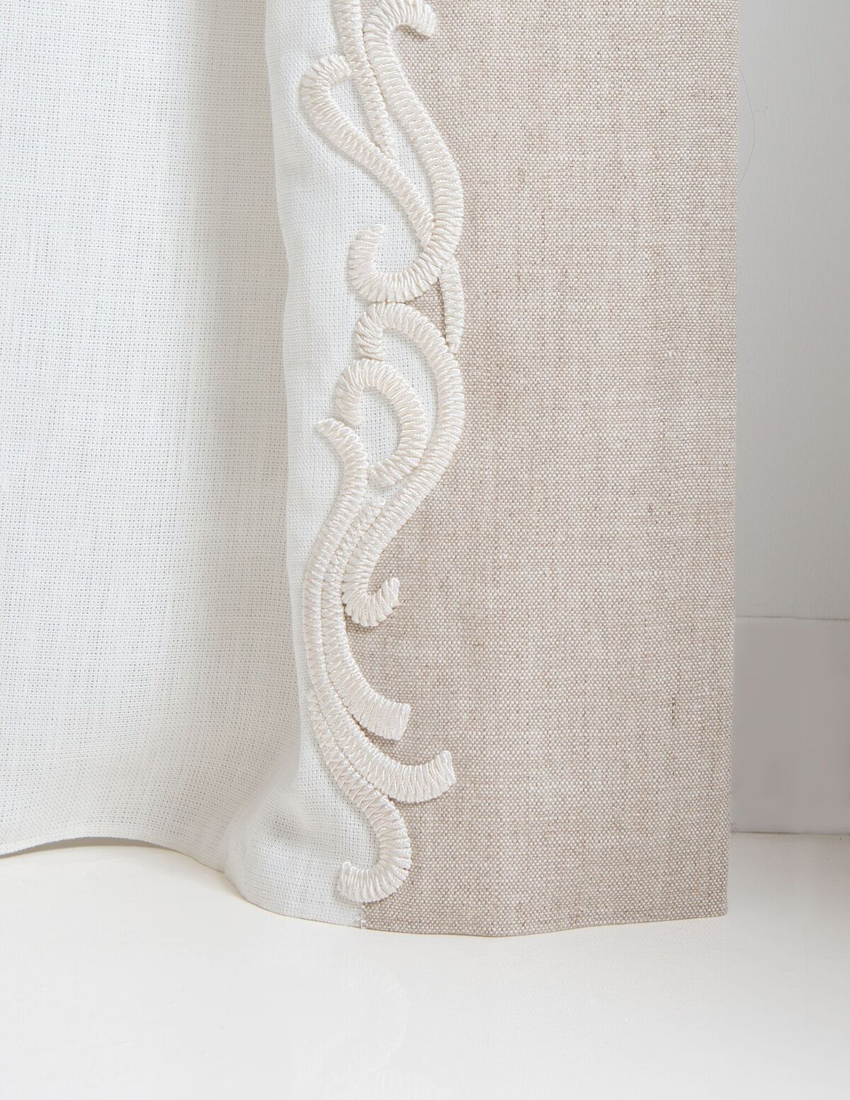 Corded Scroll