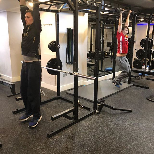 More clients doing the #hangtough challenge yesterday 💪🏽 Who's gonna win 😬... if you do not train with us but what to try anyway tag us for a shout out! It's simple, just hang for as long as you can staying still and no change of girp or mixed grip 💪🏽 #blueprintfitness #changeyourblueprint #fitness #flexfriday #healthy #gym #motivated #gymmotivation #lifestyle #healthyfood #strongnotskinny