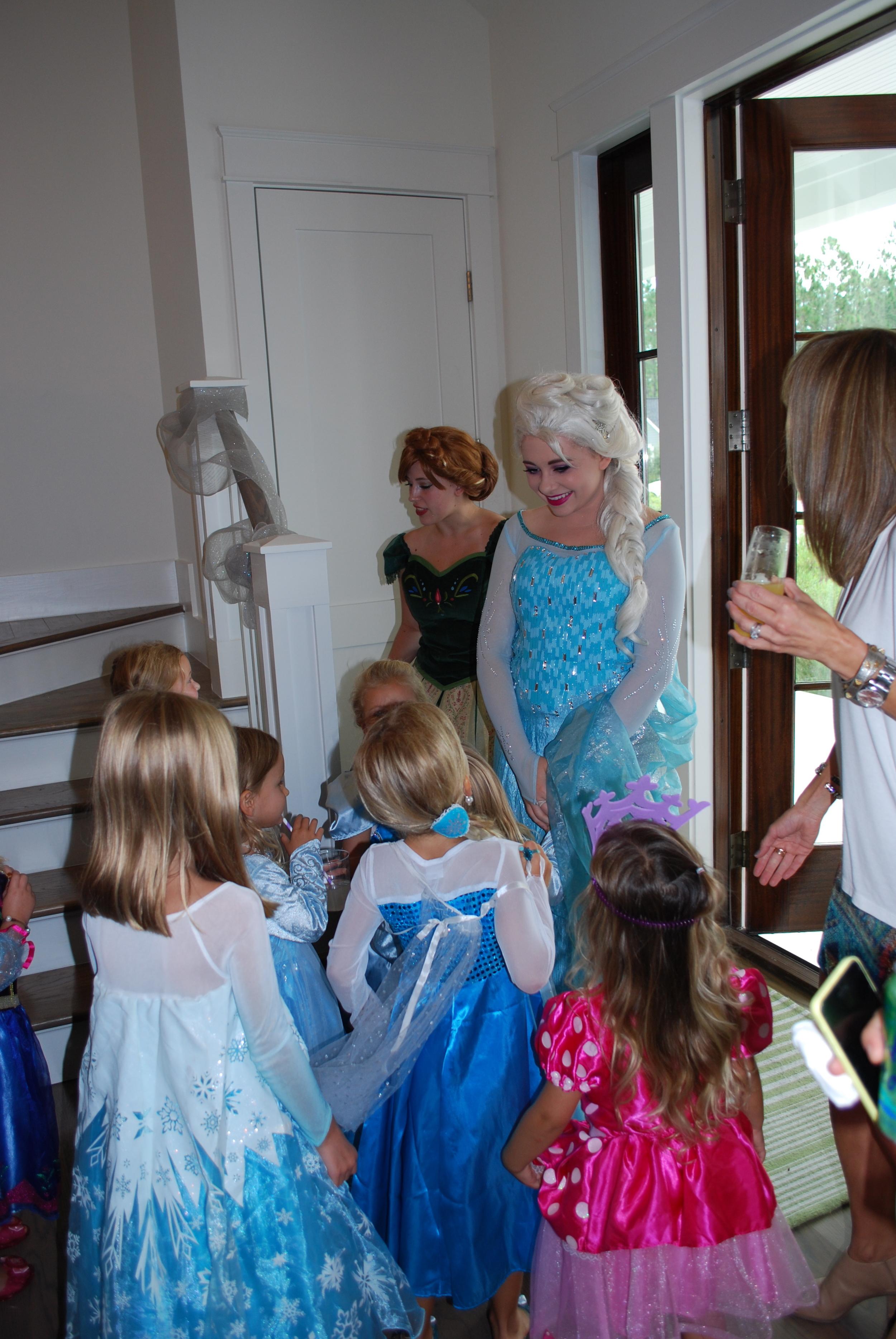 Elsa and Anna's arrival.  Enchanted Parties LLC. FL