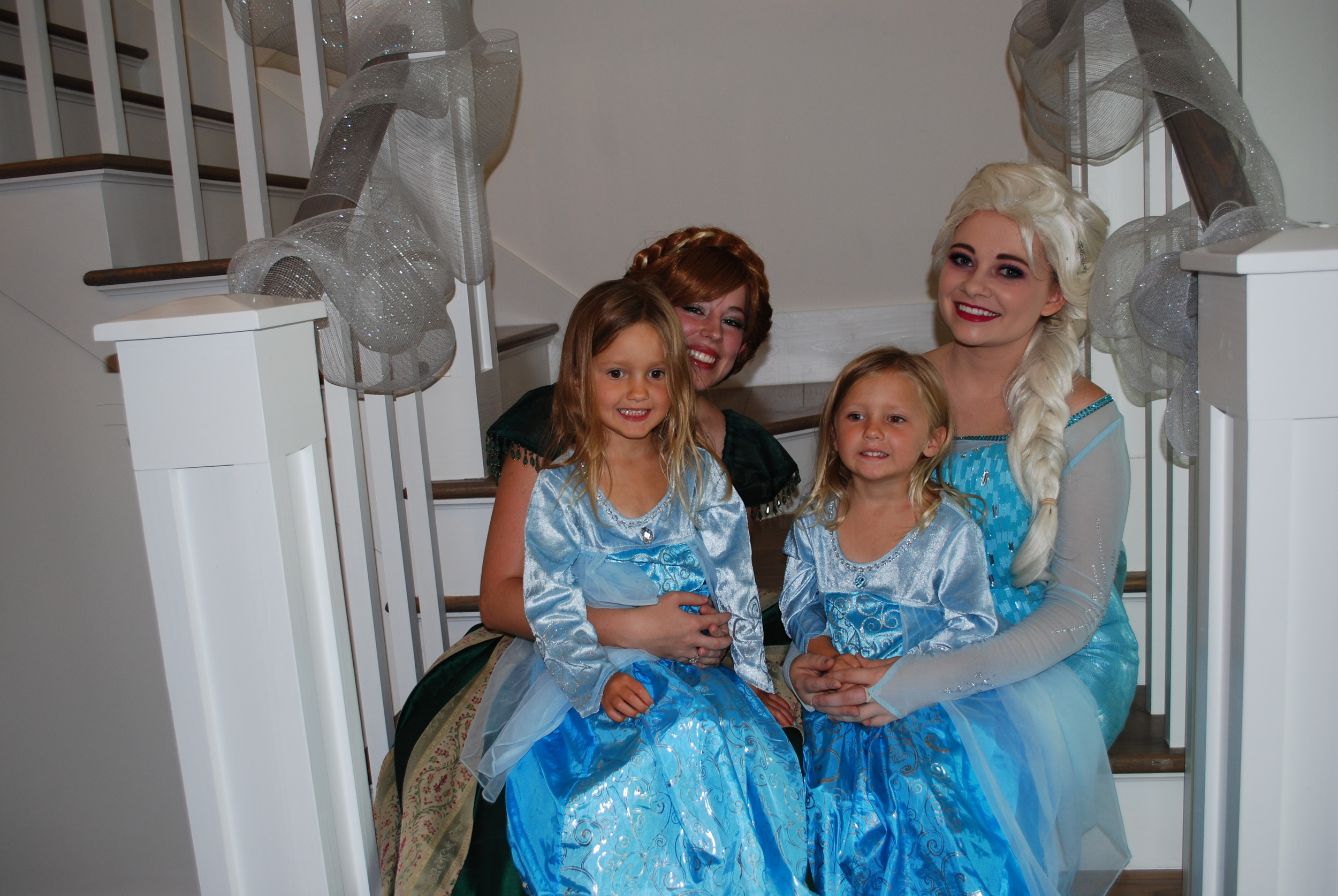 Everyone got to make photos with Elsa and Anna