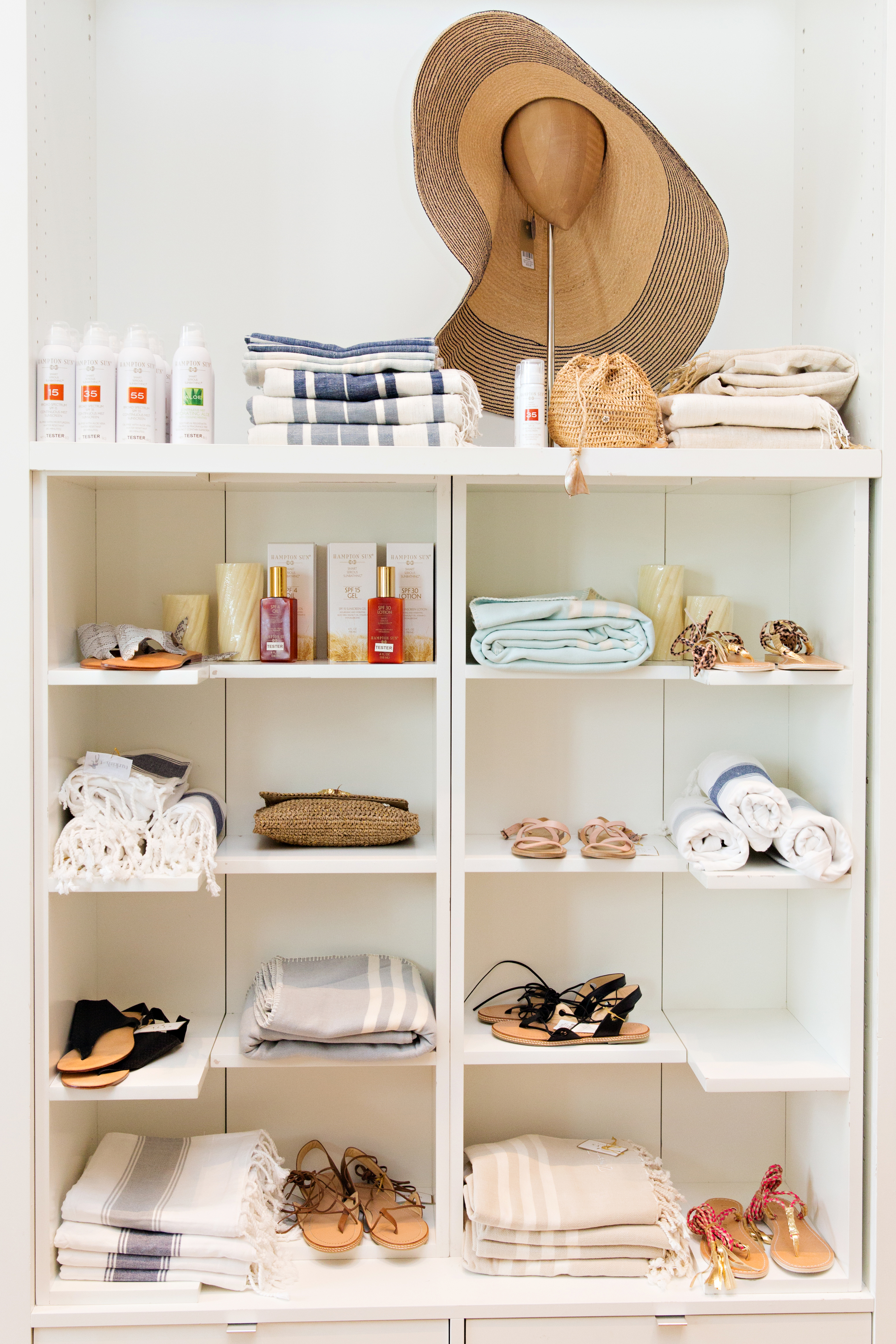 The Alys Shoppe has something for everyone. Men's and Women's apparel & shoes, beautiful home goods & accessories, Turkish Towels, beach hats, Swell bottles, gifts & more....