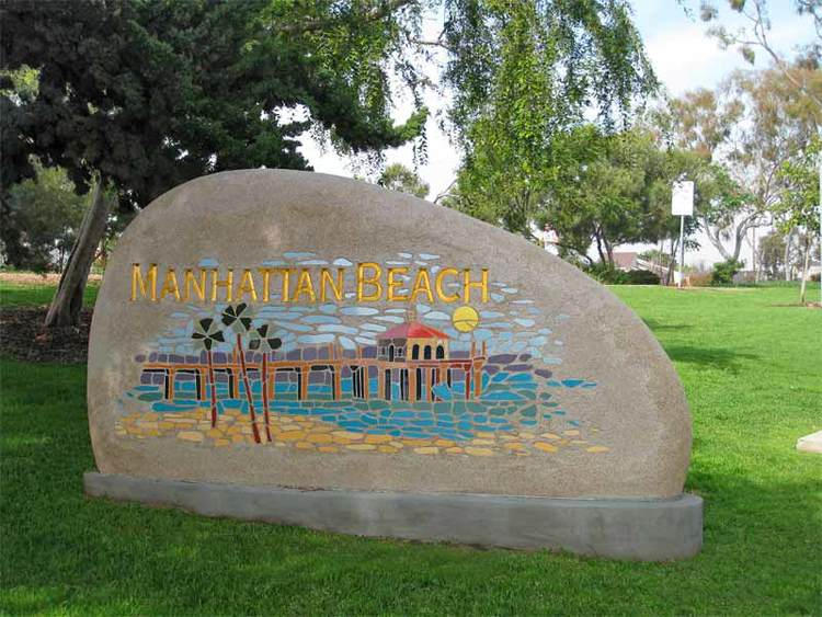 GS_manhattan_beach_monument.jpg