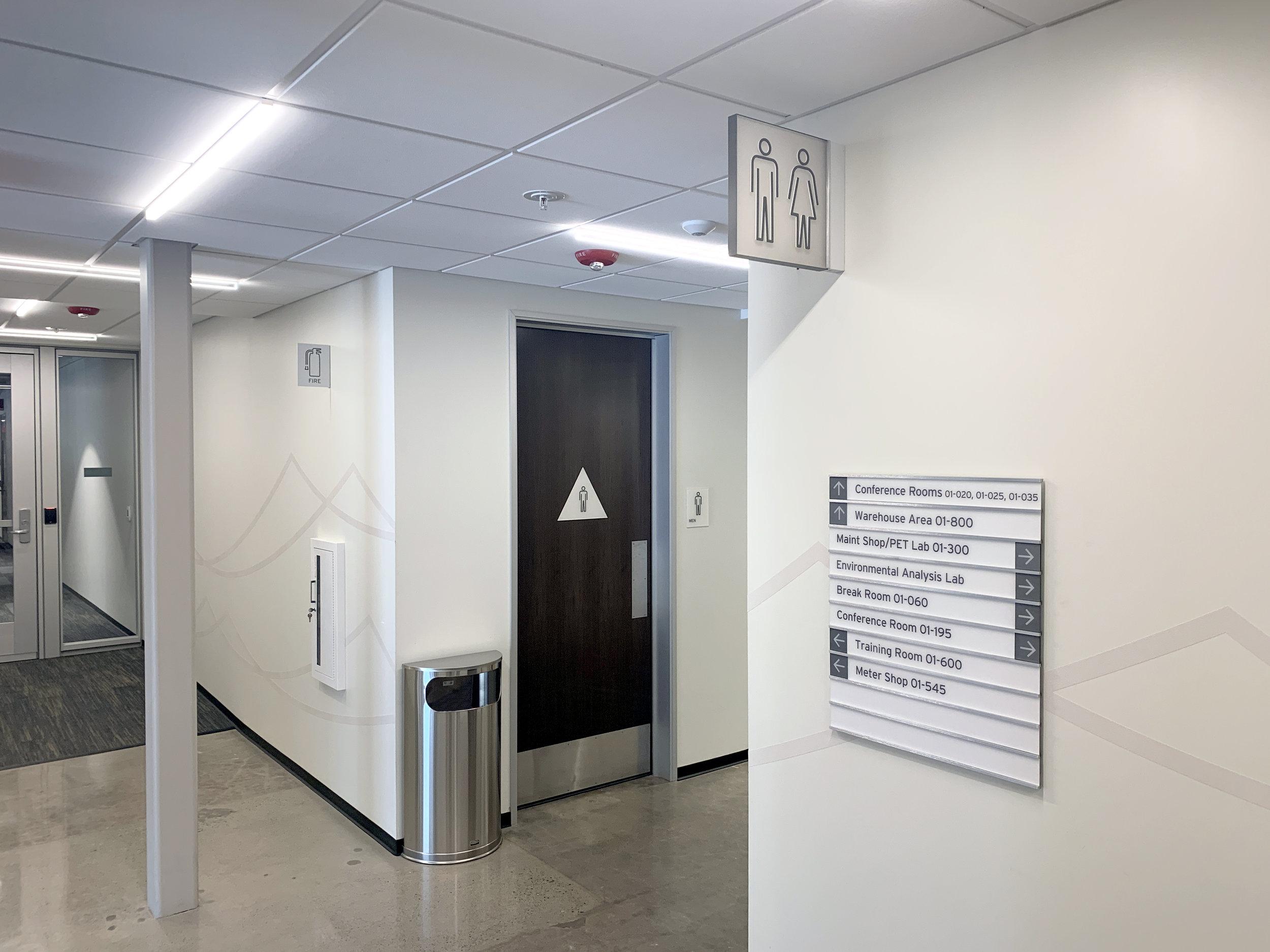 SDGE_Restroom-wayfinding corridor.jpg