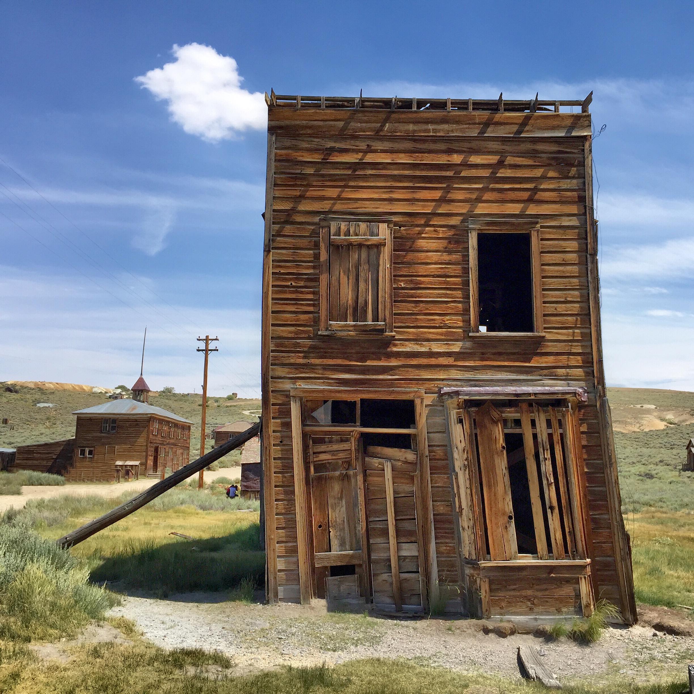 This ole house; (cc) by-nc Chris Feichtner