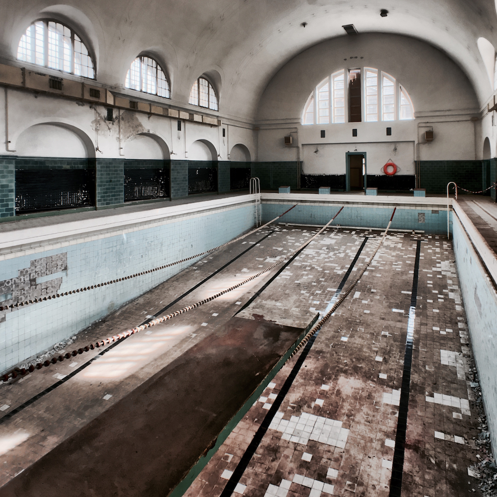 This pool hasn't seen any water for the past 20 years.