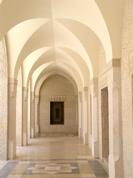 00040-mosque-courtyard-arches.jpg