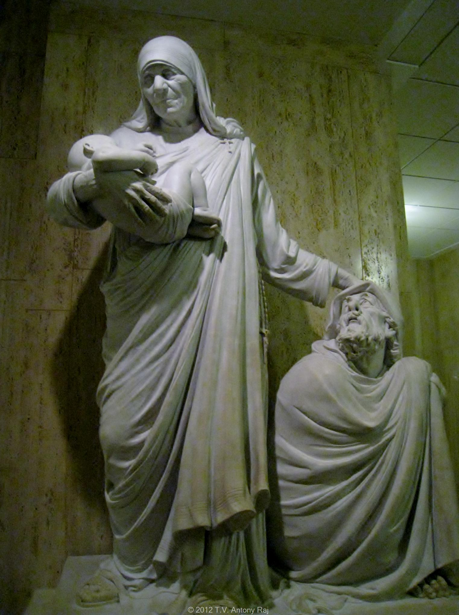 statue-of-saint-teresa-in-the-national-shrine-washington-dc-photo-t-v-antony-raj.jpg