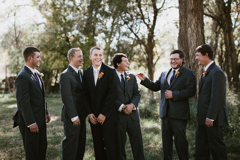 SiouxFalls_DesMoines_Wedding_Photographer_13.jpg