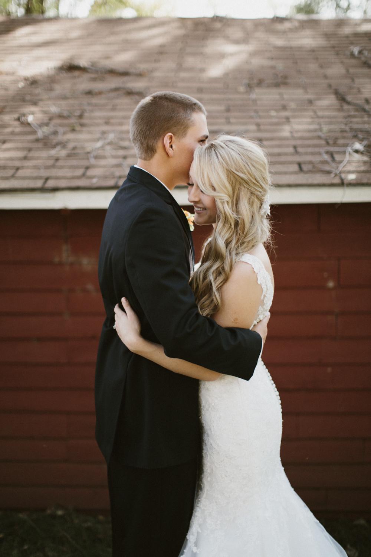 SiouxFalls_DesMoines_Wedding_Photographer_30.jpg