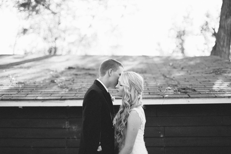 SiouxFalls_DesMoines_Wedding_Photographer_33.jpg