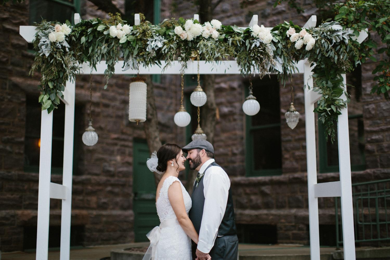 sioux_falls_desmoines_wedding_photographer_11.jpg