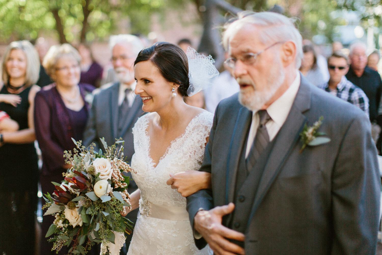 sioux_falls_desmoines_wedding_photographer_38.jpg