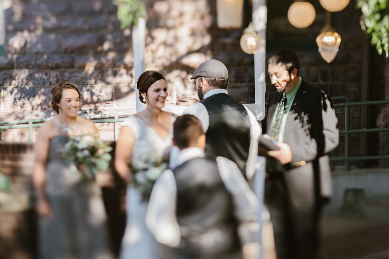 sioux_falls_desmoines_wedding_photographer_40.jpg
