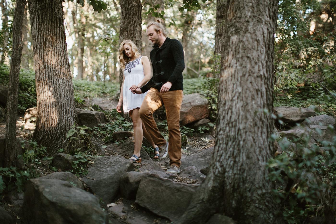 Sioux_Falls_Des_Moines_Engagement_Wedding_Photographer_01.jpg