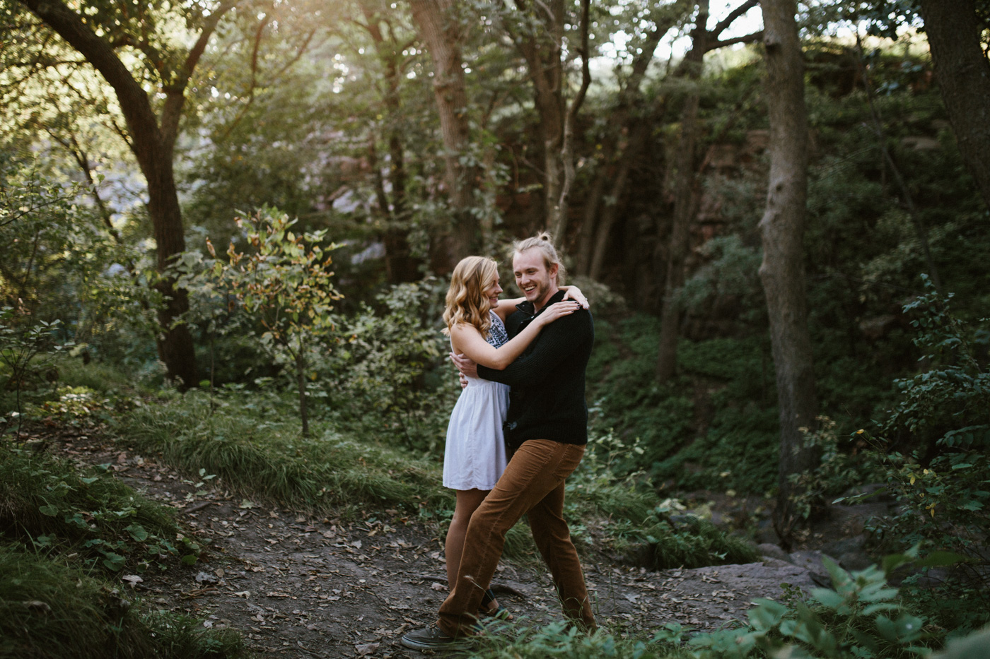 Sioux_Falls_Des_Moines_Engagement_Wedding_Photographer_03.jpg