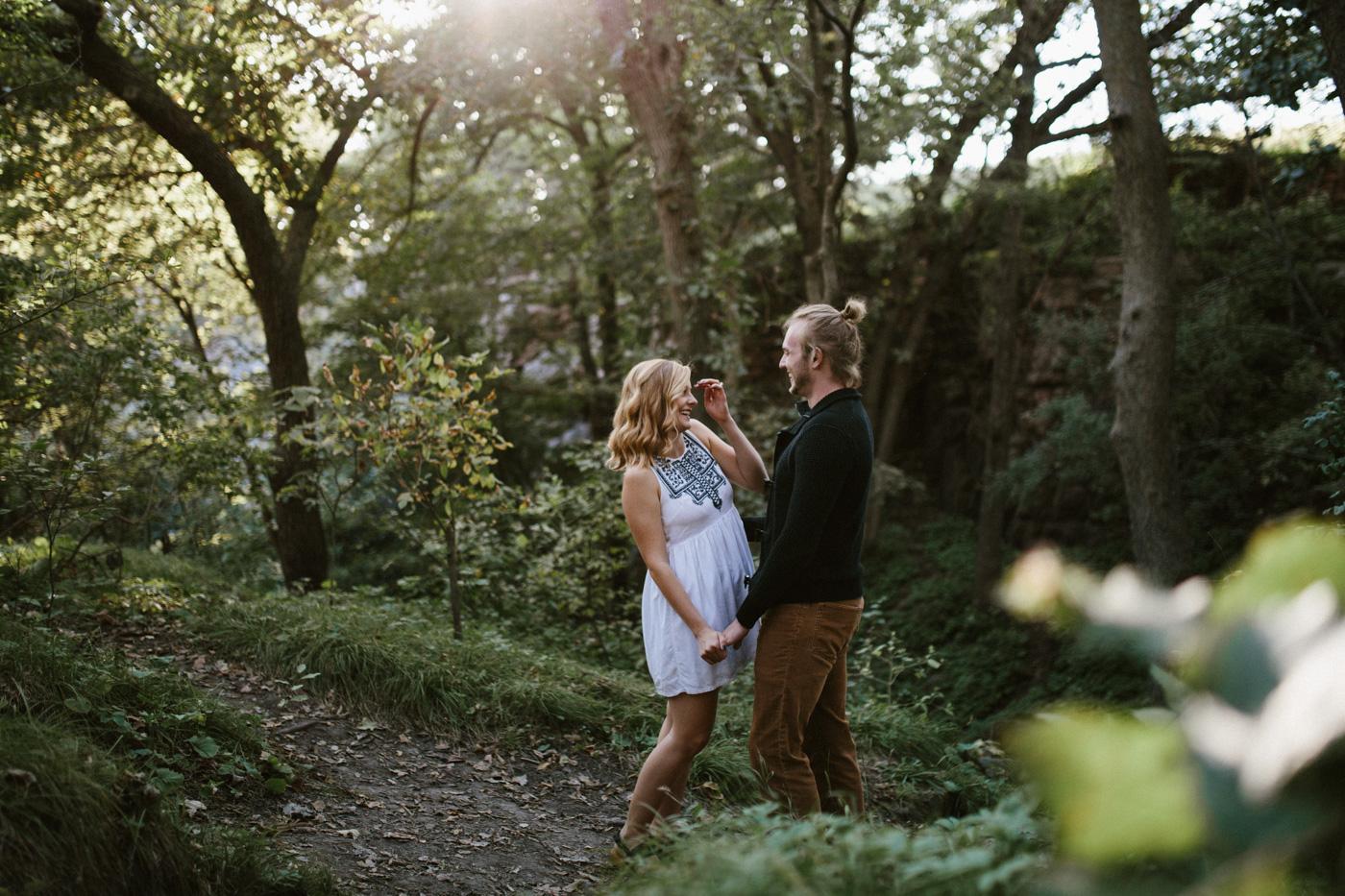Sioux_Falls_Des_Moines_Engagement_Wedding_Photographer_04.jpg