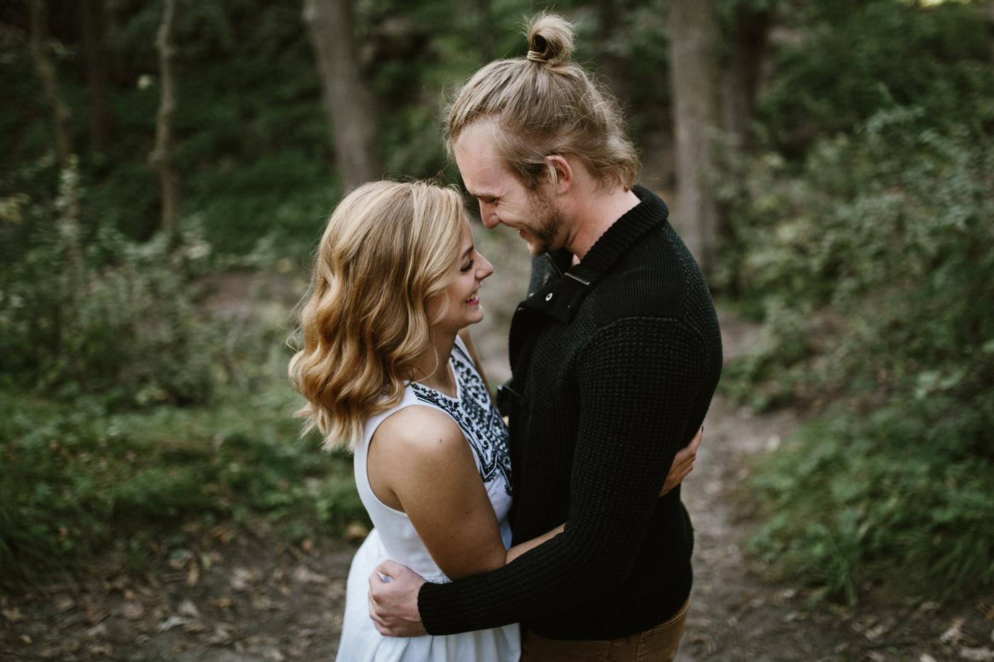 Sioux_Falls_Des_Moines_Engagement_Wedding_Photographer_05.jpg
