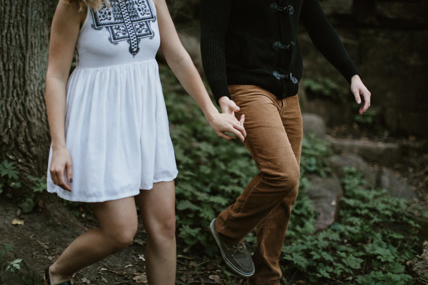 Sioux_Falls_Des_Moines_Engagement_Wedding_Photographer_10.jpg