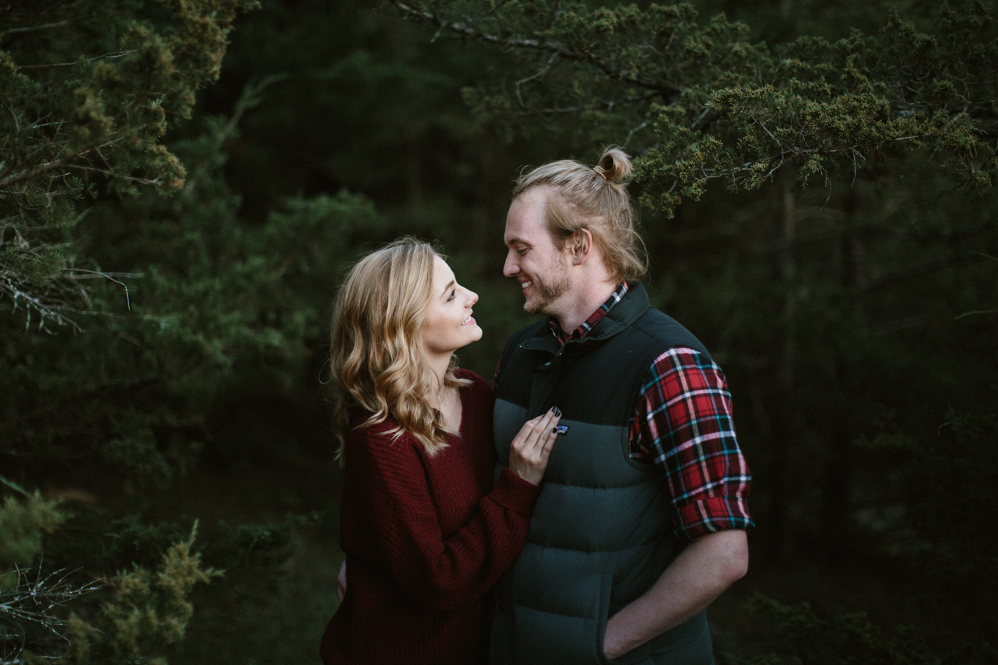 Sioux_Falls_Des_Moines_Engagement_Wedding_Photographer_43.jpg