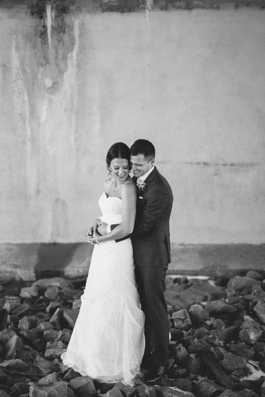 israel&aubrey_siouxfalls_wedding_photographer_44.jpg