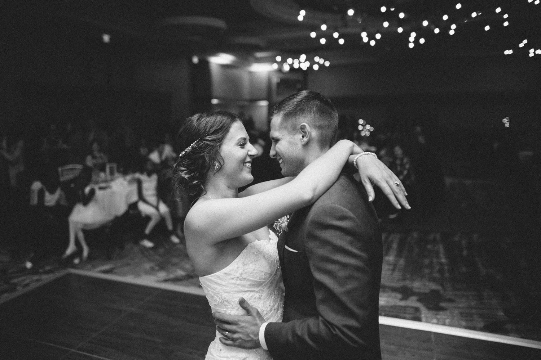 israel&aubrey_siouxfalls_wedding_photographer_107.jpg
