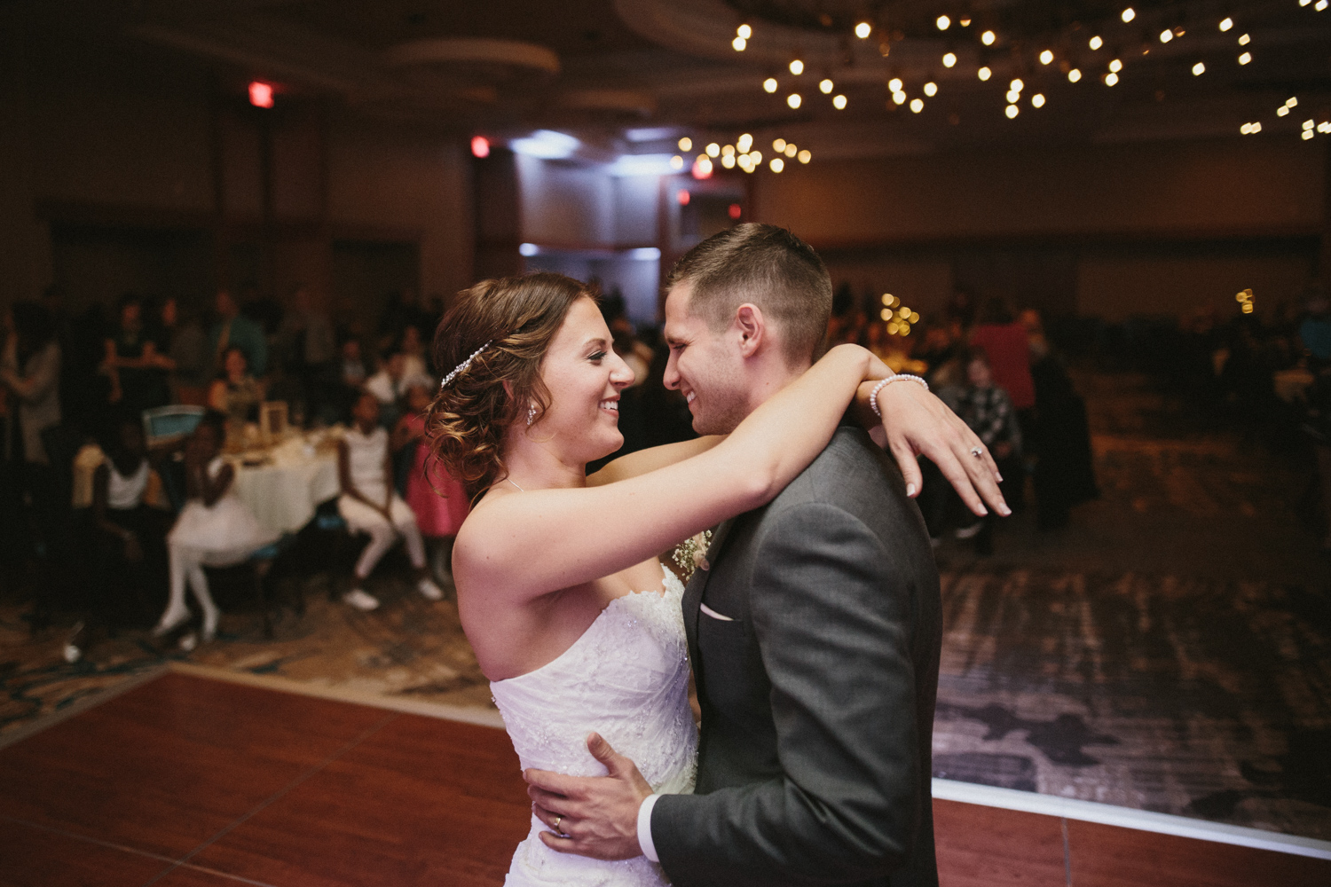 israel&aubrey_siouxfalls_wedding_photographer_109.jpg