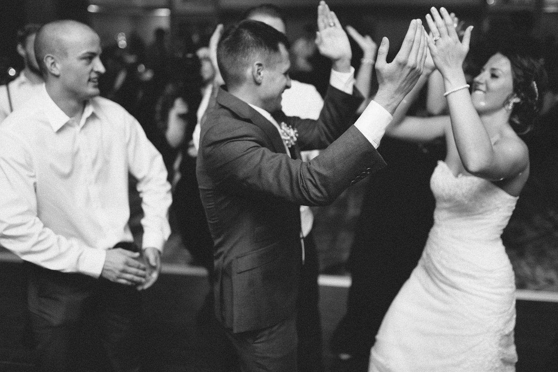 israel&aubrey_siouxfalls_wedding_photographer_111.jpg
