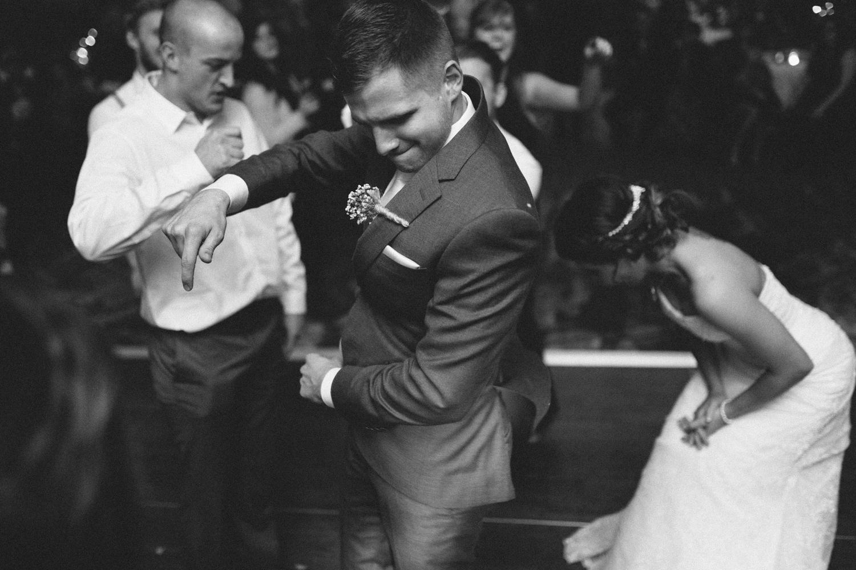 israel&aubrey_siouxfalls_wedding_photographer_121.jpg