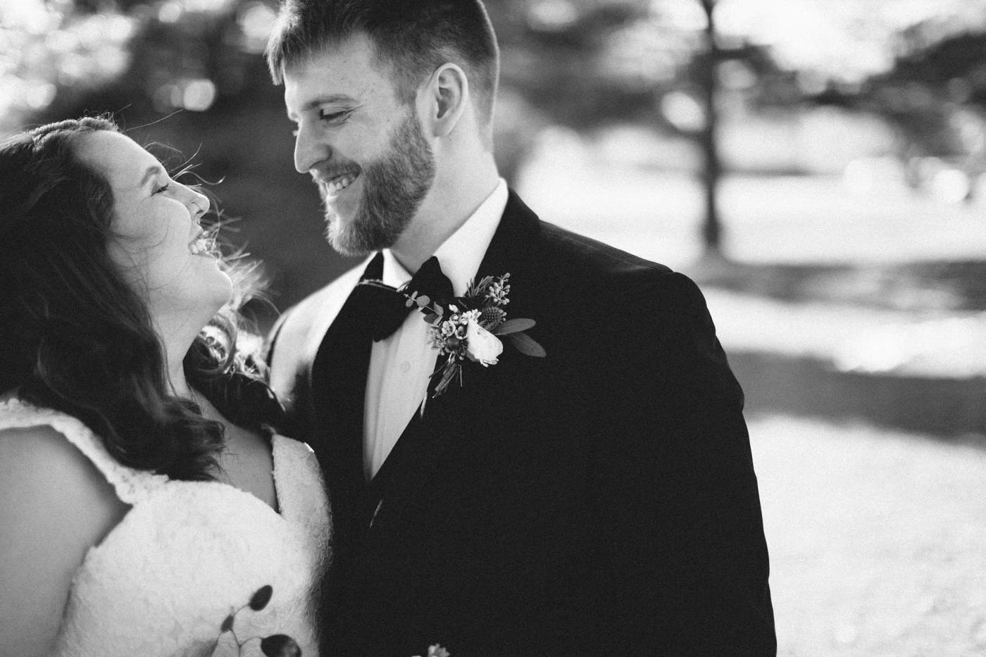 Matt&Amanda_SiouxFalls_DesMoines_Wedding_Photographer_02.jpg