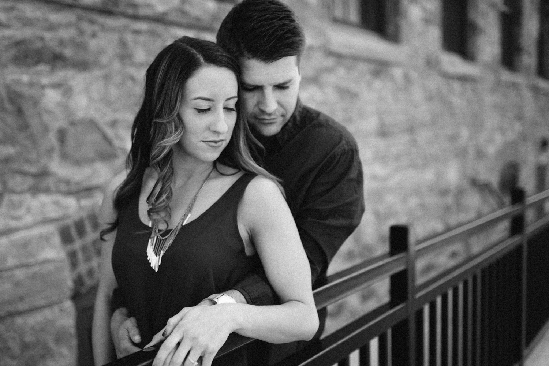 Des_Moines_Sioux_Falls_Wedding_Photographer_Renae&Adam11.jpg